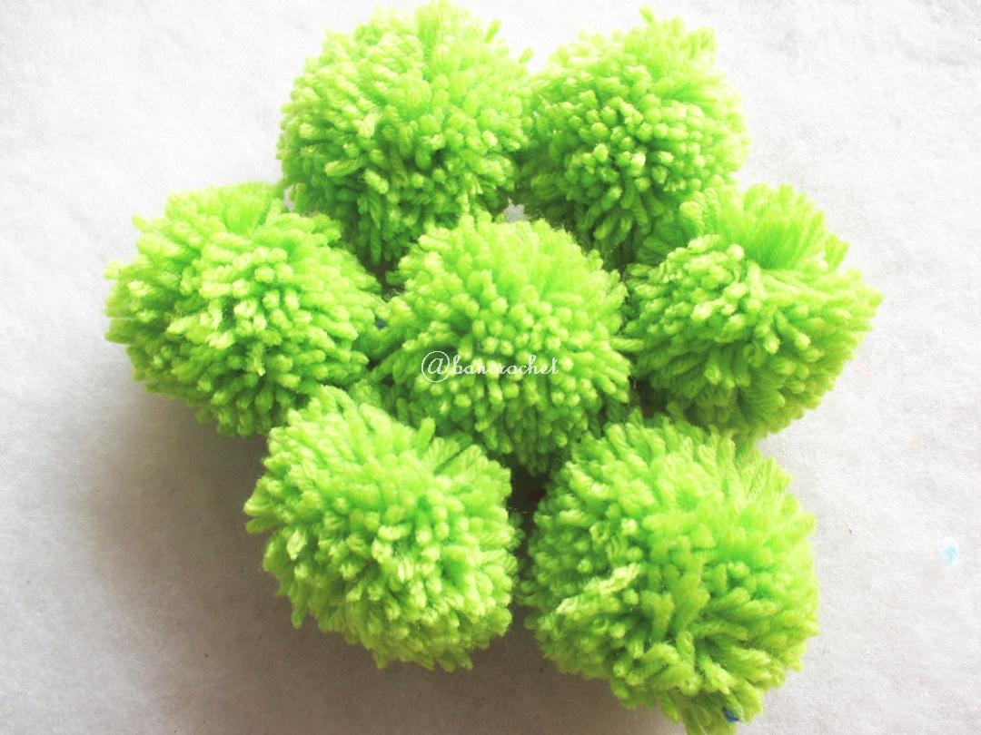 ปอมปอมไหมพรมสีเขียว ขนาด 2 นิ้ว pompoms crochet