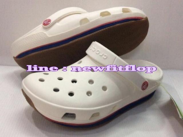 รองเท้า crocs retro clog รุ่นเรโทร สีขาว