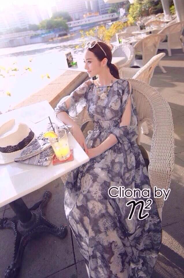 ชุดเดรสเกาหลี พร้อมส่ง แม็กซี่เดรสแขนยาวเนื้อผ้าชีฟองพิมพ์ลายดอกไม้โทนขาวเทาสีคลาสสิก