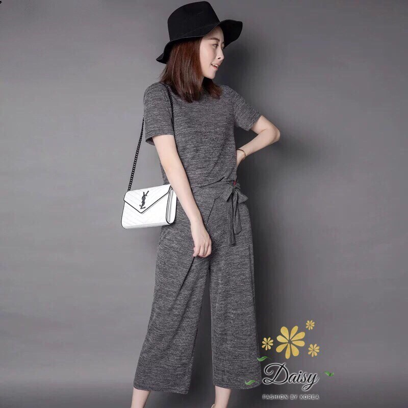 เสื้อผ้าแฟชั่นพร้อมส่ง ชุดเซท เสื้อ+กางเกง เป็นผ้ายืดเนื้อดี