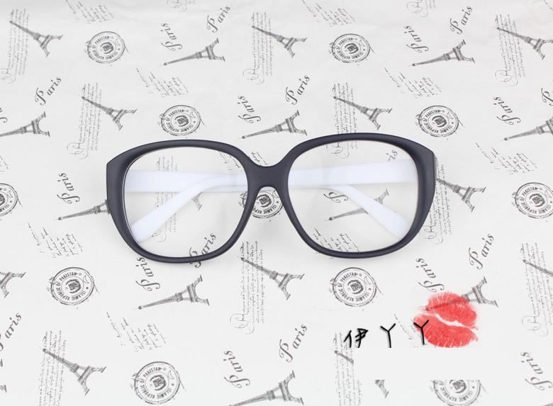 แว่นตาแฟชั่นเกาหลี วินเทจดำขาว (พร้อมเลนส์)