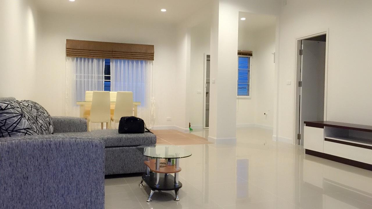 ห้เช่าทาวน์โฮม 2 ชั้น ดีไลท์ เดอลอฟท์ ดอนเมือง-รังสิต Delight The Loft Donmeung-Rangsit 3 ห้องนอน 3 ห้องน้ำ พื้นที่ 21.40 ตร.ว