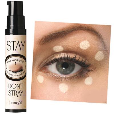 Benefit stay don't stray 2.5 ml (ขนาดทดลอง) ไพรเมอร์สำหรับใช้ทารอบดวงตาที่มีคุณสมบัติพิเศษช่วยให้คอนซีลเลอร์และอายแชโดว์ติดทนนาน
