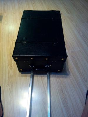 รีวิว กระเป๋าเดินทางล้อลากสไตล์วินเทจ สีดำ