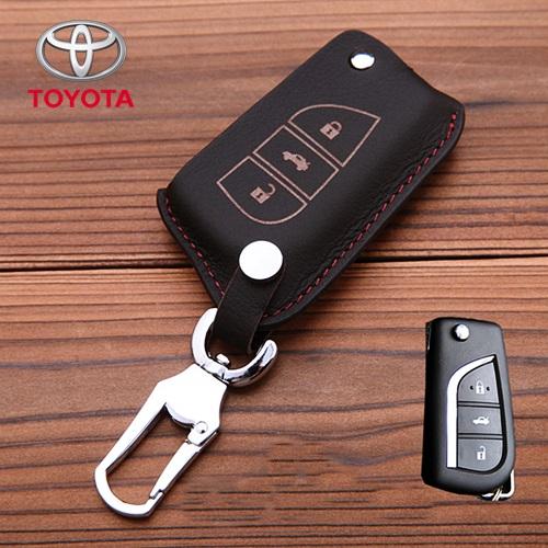 ซองหนังแท้ใส่กุญแจรีโมทรถยนต์ Toyota Hilux Revo,New Altis 2014-18 พับข้าง 3 ปุ่ม รุ่นหนังนิ่ม สีดำ/แดง