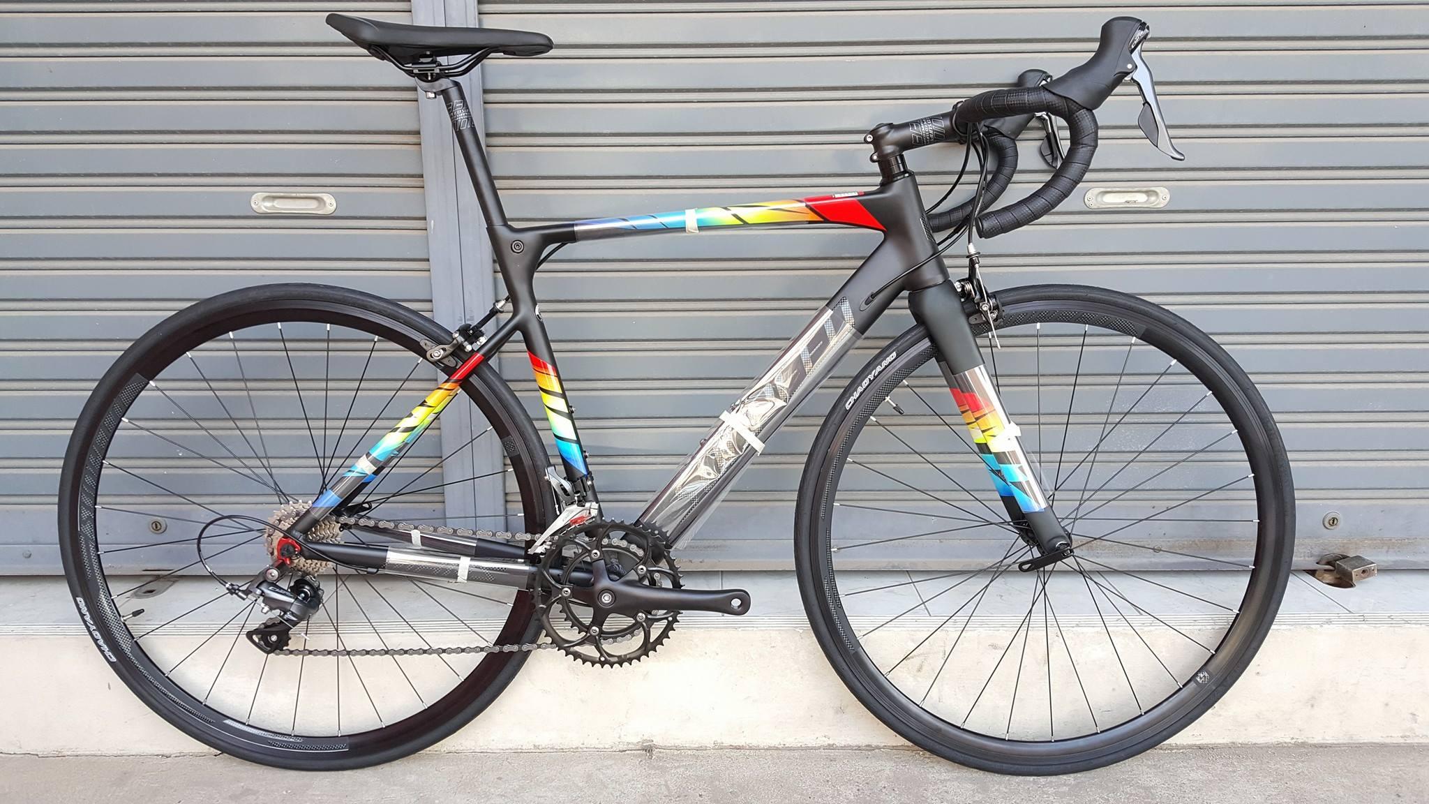 จักรยานเสือหมอบ Sunpeed รุ่น MARS เฟรมอลู ตะเกียบคาร์บอน เกียร์ Shimano New Claris 16 Speed ซ่อนสาย