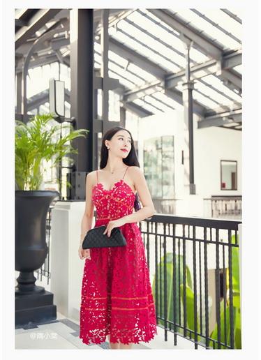 Jingjing เดรสลูกไม้ สายเดี่ยว กระโปรงยาว สีแดง