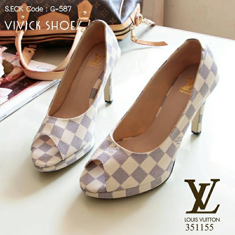 รองเท้าคัทชู Loius Vuitton Damier (ขาว)