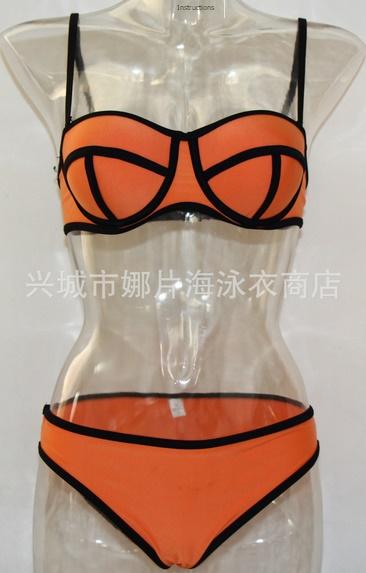 ชุดว่ายน้ำแฟชั่นพร้อมส่ง :ชุดว่ายน้ำแฟชั่นทูพีชสีส้ม แต่งลายผ้าตัดขอบดำ สีสดใสน่ารักมากๆจ้า:รอบอก28-32นิ้ว เอว30-34นิ้ว สะโพก32-36 นิ้วจ้า