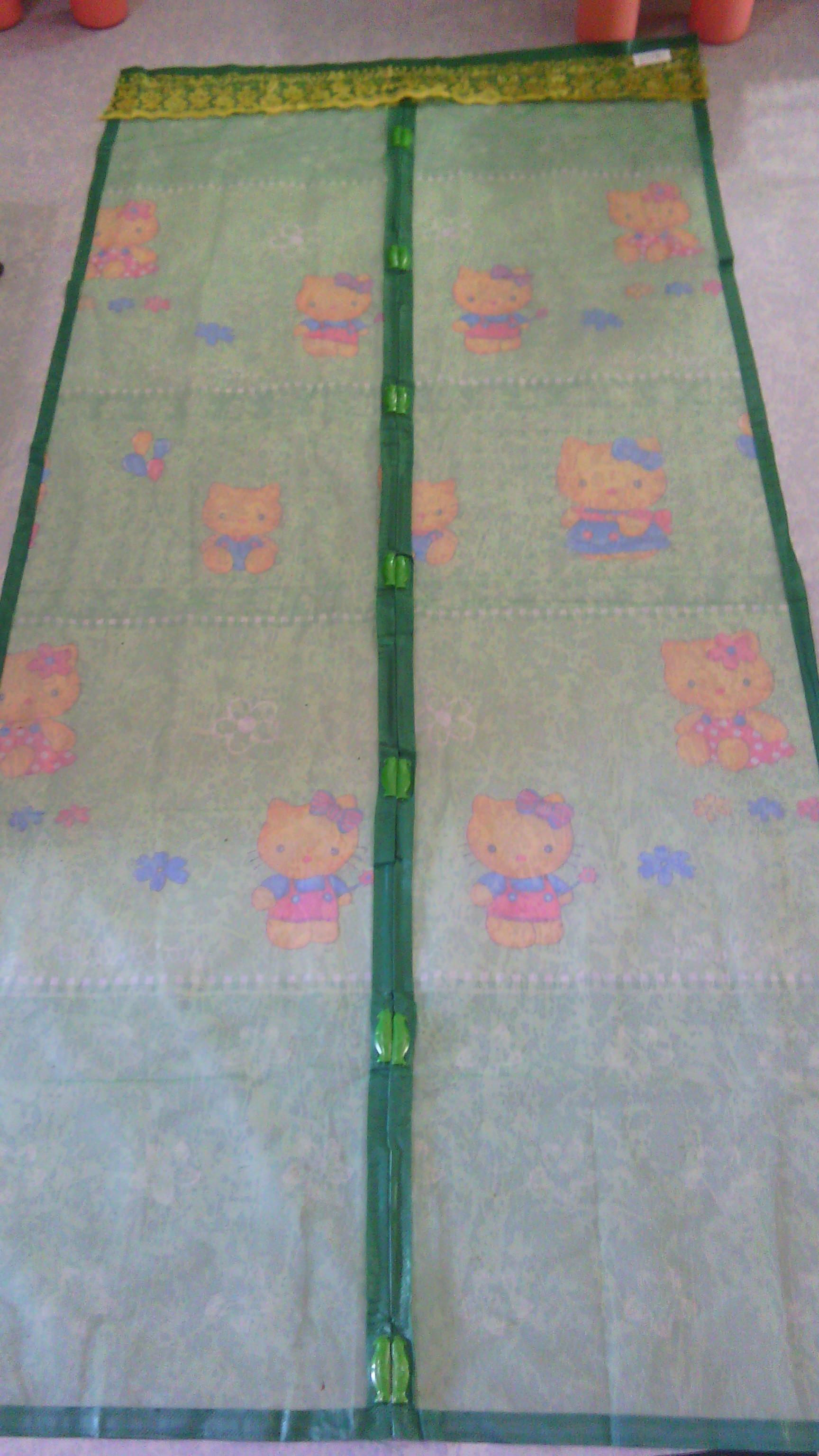 ม่านกันยุงแบบพิมพ์ลาย ไชส์ 100 สีเขียวเปลือกมะนาว/คิตตี้