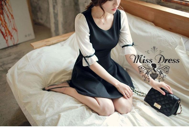 ชุดเดรสสั้นสีดำแนวเกาหลีน่ารัก แขนยาวสีขาว เอวเข้ารูป กระโปรงบานสวิง