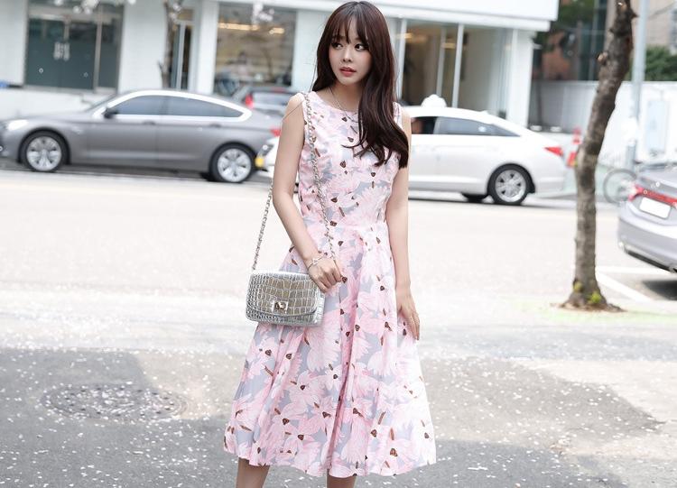 ชุดเดรสยาวสีชมพู เทา ลายดอกไม้