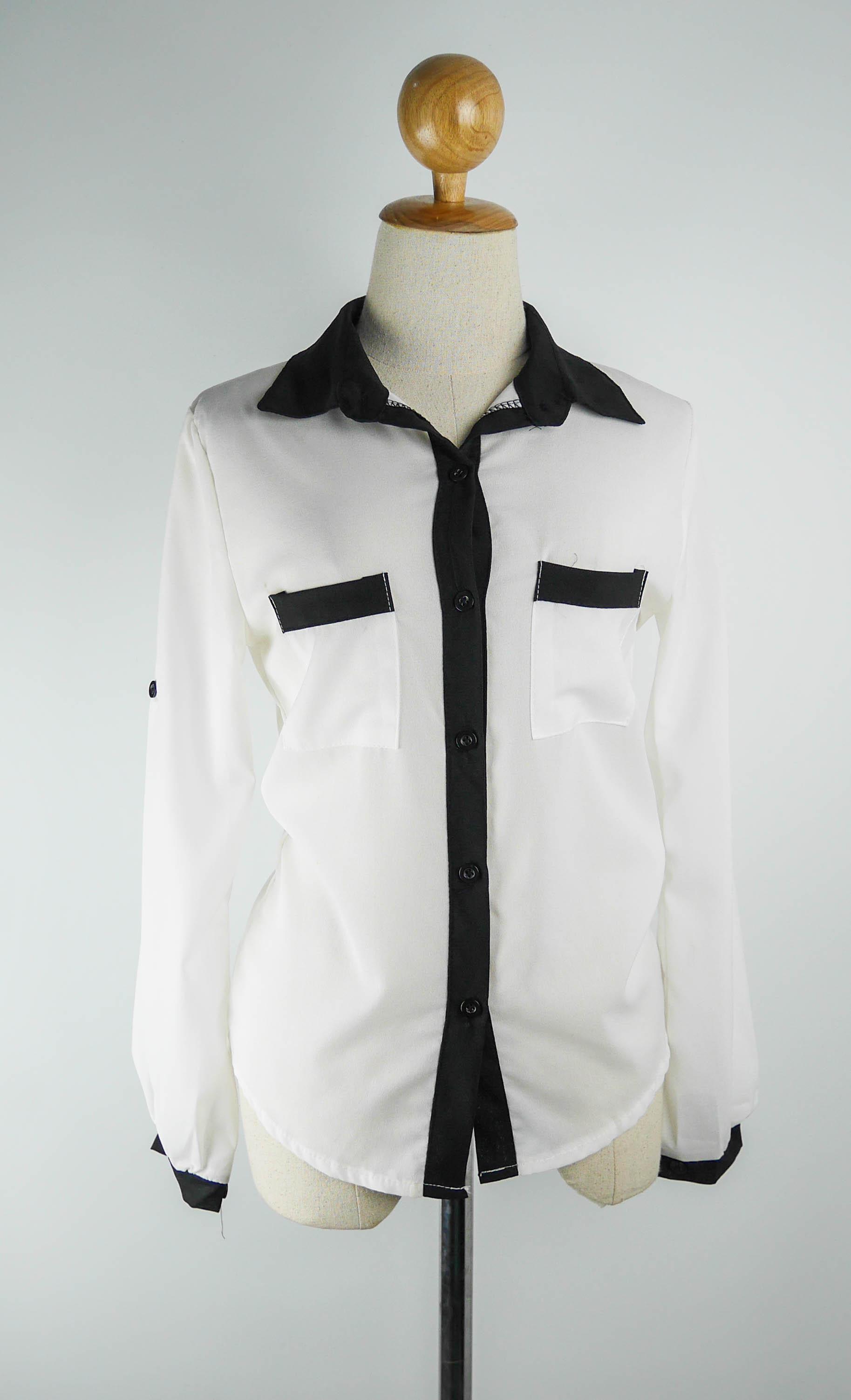 เสื้อเชิ๊ตแฟชั่น ปกเชิ๊ต แขนยาว กระดุมหน้า สีขาว