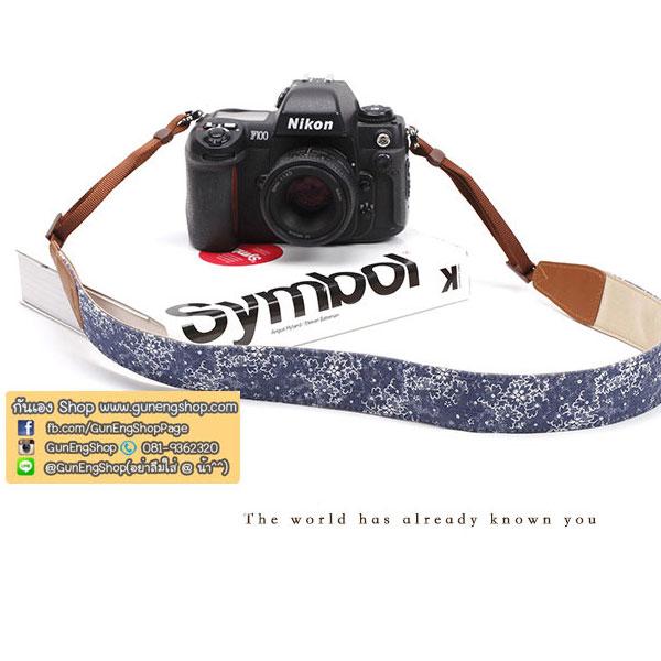 สายคล้องกล้องลายดอกไม้ cam-in พื้นน้ำเงิน-ลายดอกขาว