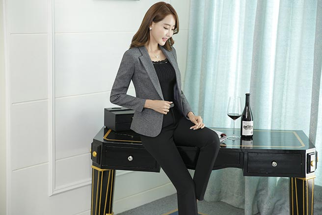 เสื้อสูทผู้หญิง เสื้อสูทแฟชั่น สีเทา แขนยาว คอปก เรียบๆ ใส่ทำงานได้