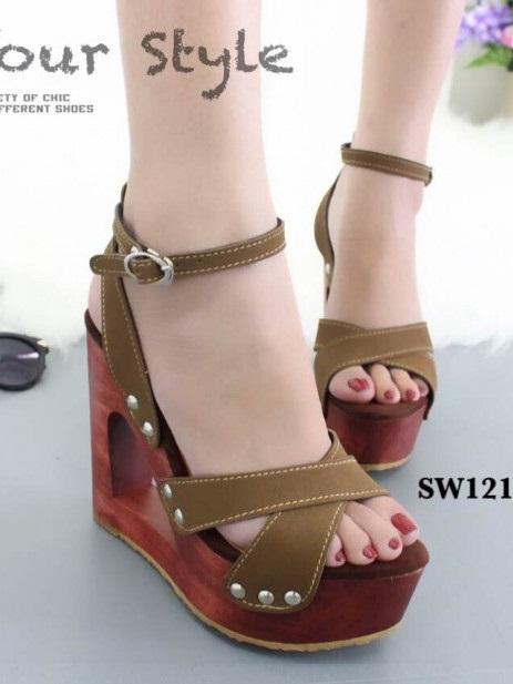 รองเท้าส้นตึกรัดส้นสีน้ำตาล สายคาดไขว้ ส้นไม้ Korean Style Platform (สีน้ำตาล )