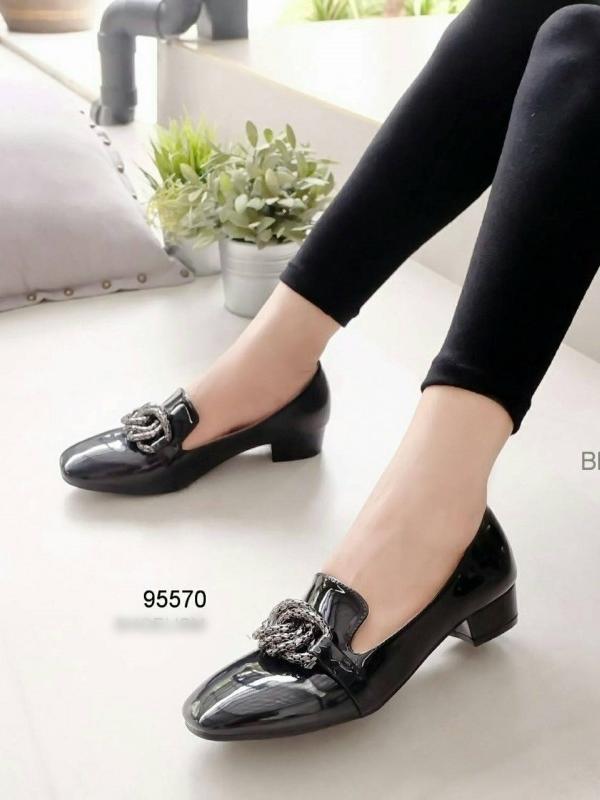 รองเท้าคัทชู หนังแก้ว สไตล์MIUMIU (สีดำ )
