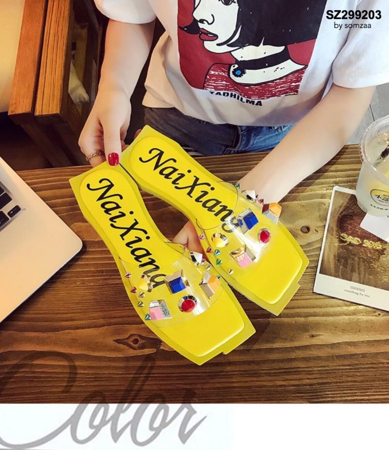 รองเท้าแตะแฟชั่นสีเหลือง สายคาดพลาสติกใส ไม่บาดเท้า (สีเหลือง )