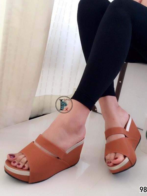 รองเท้าส้นเตารีดแบบสวม สไตล์ลำลอง หนังนิ่ม (สีน้ำตาล )