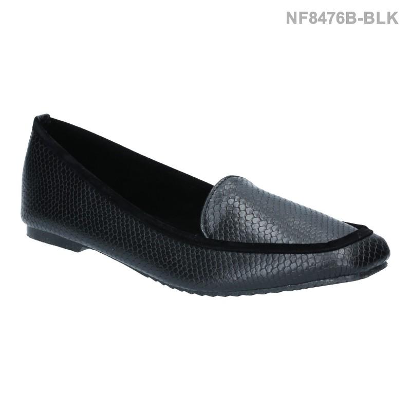 รองเท้าส้นแบน หุ้มส้น ลายหนังงู (สีดำ )