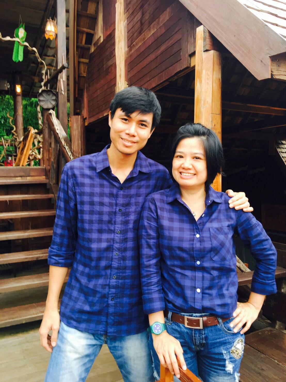 เสื้อคู่ลายสก๊อตสีน้ำเงิน