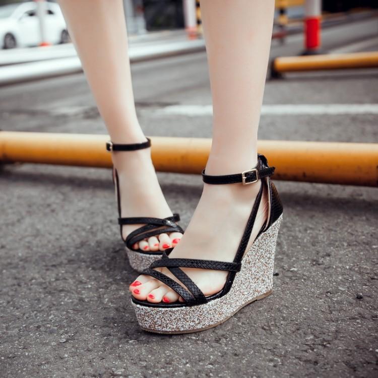 Preorder รองเท้าแฟชั่น สไตล์ เกาหลี 32-43 รหัส 9DA-31597