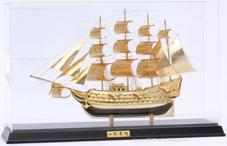 เรือสำเภา เรือใบ ทองเหลือง ชุบทอง 24K พร้อมตู้ Size L (ขายส่งยกลัง - Pre order)
