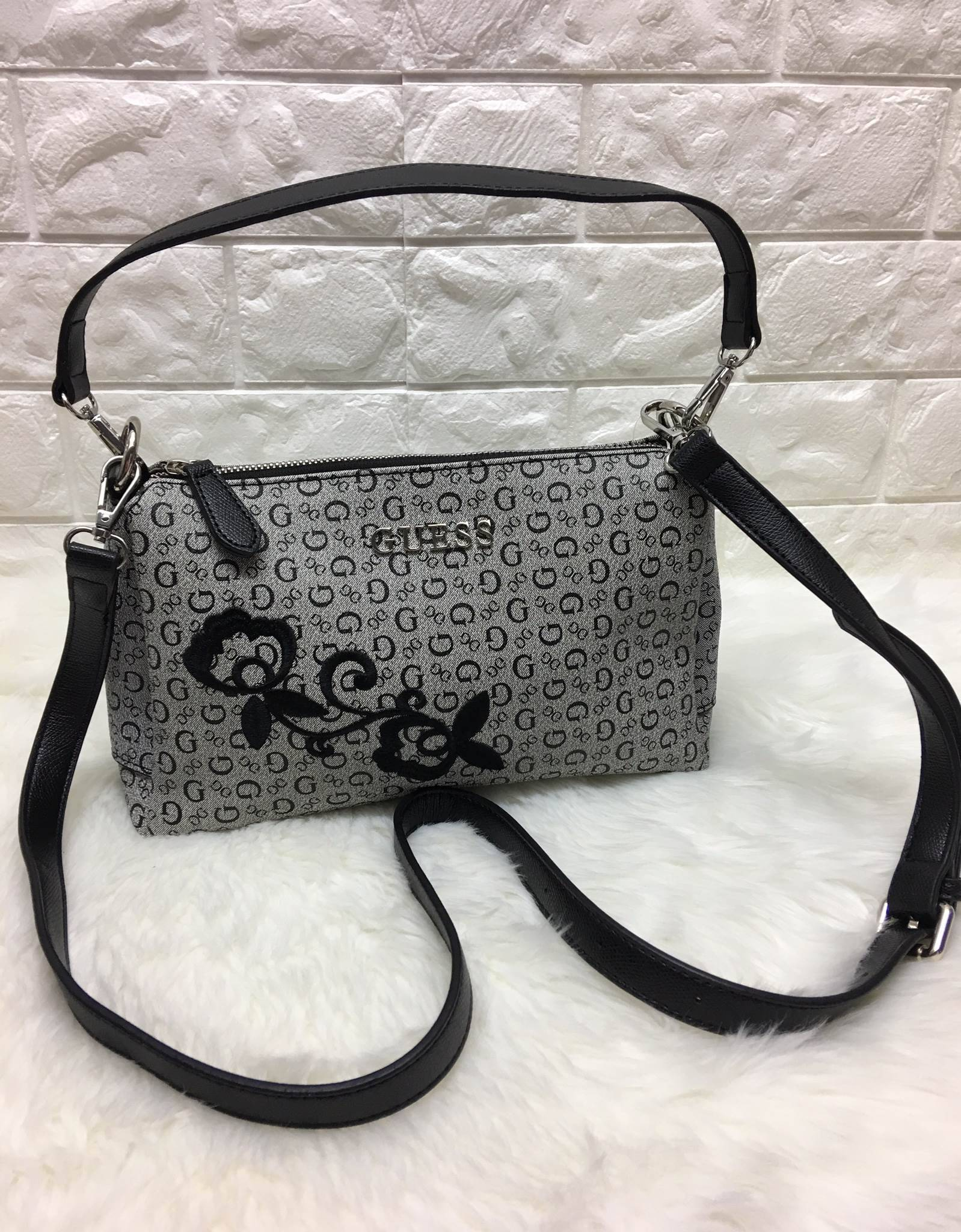 Guess Embroidery Sholder Bag *เทา
