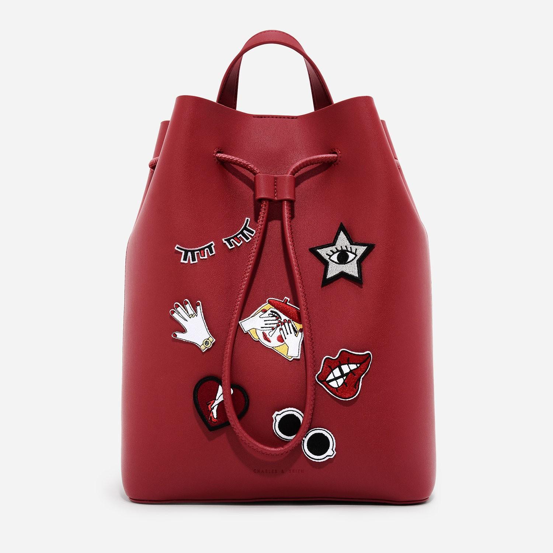 CHARLES & KEITH DRAWSTRING SHOULDER BAG-สีแดง