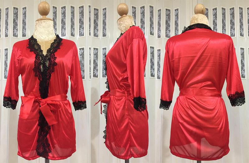 เสื้อคลุม/ชุดนอนผ้าซาติน สีแดง ประดับลูกไม้ดำ ภาพจริง