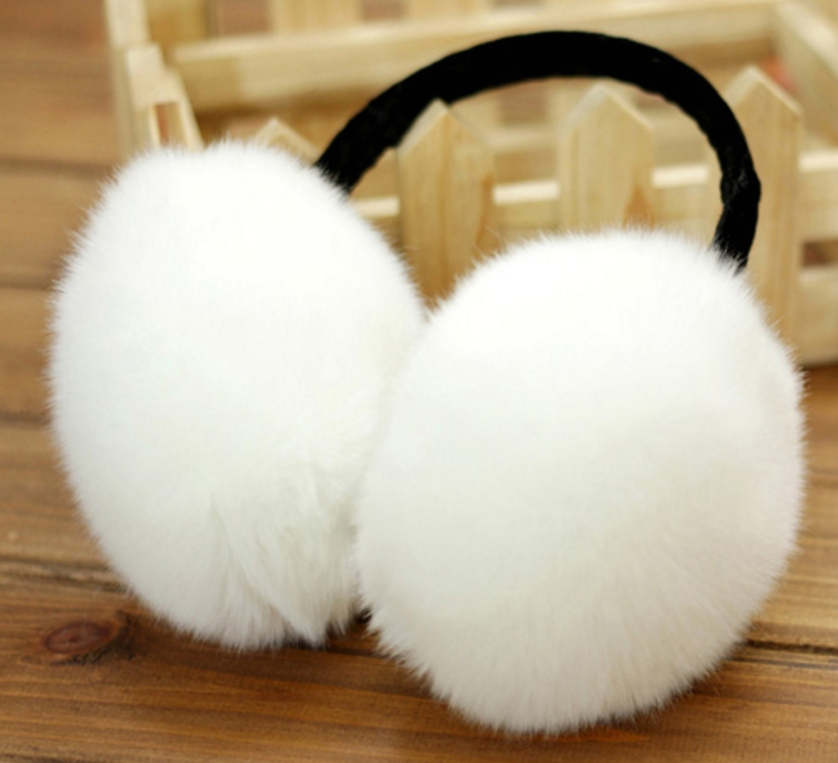 Furry Earmuffs ที่ปิดหูกันหนาว (สีขาว)