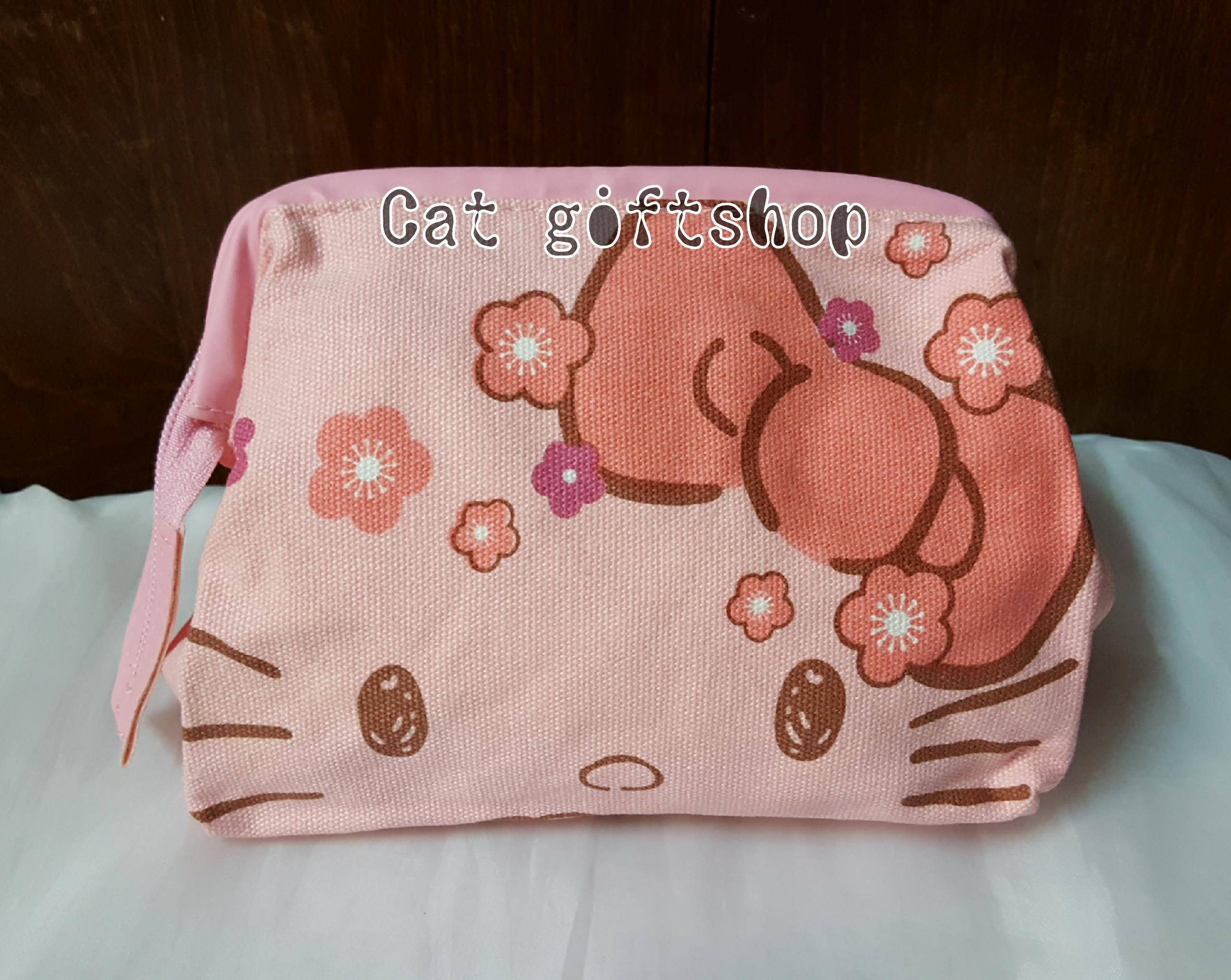มีพร้อมส่ง :: กระเป๋าเครื่องสำอาง Hello kitty