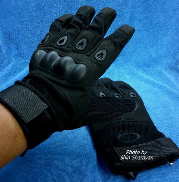 ถุงมือมอเตอร์ไซค์หนัง แบบเต็มมือ OAKLEY ดำ