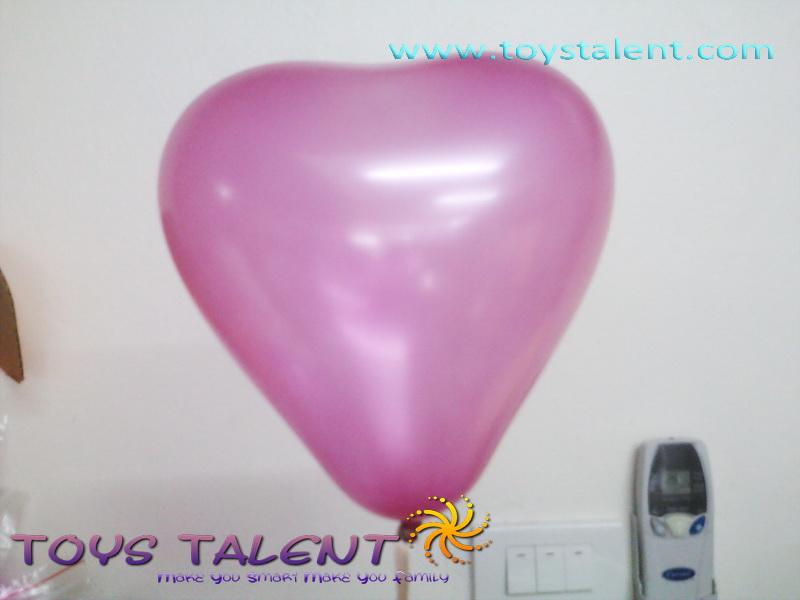 ลูกโป่งหัวใจ เนื้อเมททาลิก สีชมพูเข้ม ไซส์ 6 นิ้ว แพ็คละ 10 ใบ