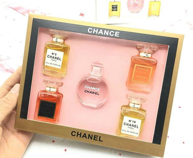 เซตน้ำหอมชาแนล 5in1 CHANEL Perfume Set 5in1 (มิลเลอร์) ราคาปลีก 250 บาท / ราคาส่ง 200 บาท