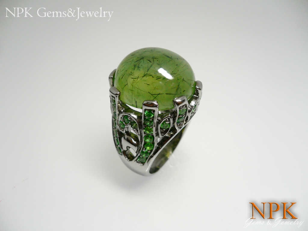 แหวนเงินซาวาไรท์ (Silver ring tsavorite garnet)