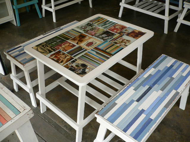 โต๊ะไม้+กระจก ของแต่งร้านกาแฟน่ารักๆ