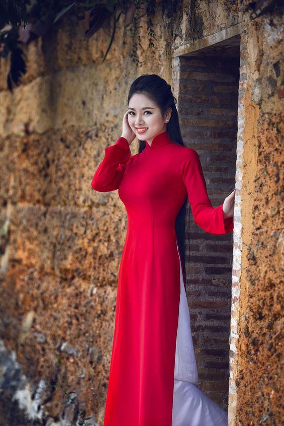 ชุดเวียดนามผู้หญิง สีไวน์แดง (งานสั่งตัดพิเศษ)