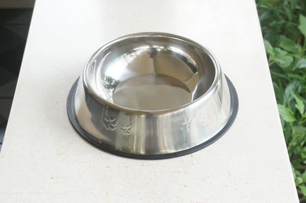 ชามอาหารสุนัขและแมวสแตนเลส ไซส์เล็ก