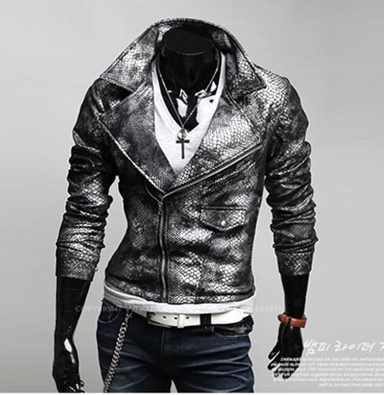 Pre-Order เสื้อแจ๊คเก็ตหนัง เสื้อแจ๊คเก็ต หนัง PU ปั้มลายหนังงู สไตล์หนัง Faux คุณภาพดี ตัดเข้ารูป สีดำ-เงิน