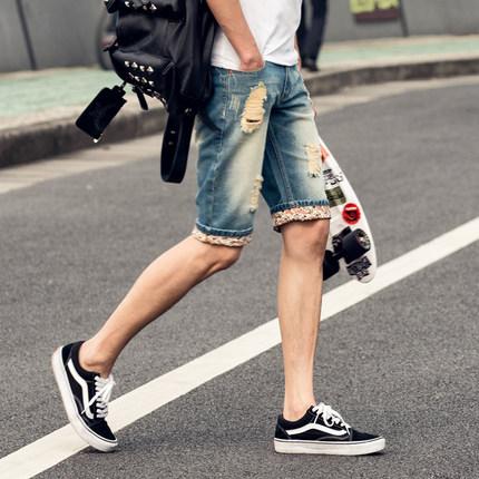 กางเกงยีนส์ขาสั้นเกาหลี สีน้ำเงิน แนวเซอร์ๆ รุ่ยๆ แต่งพับขอบพิมพ์ลาย