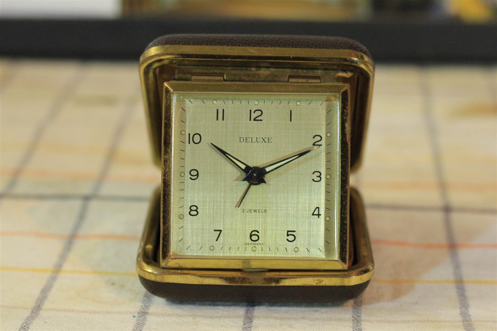 W0022 Deluxe 2 Jewels travel alarm clock