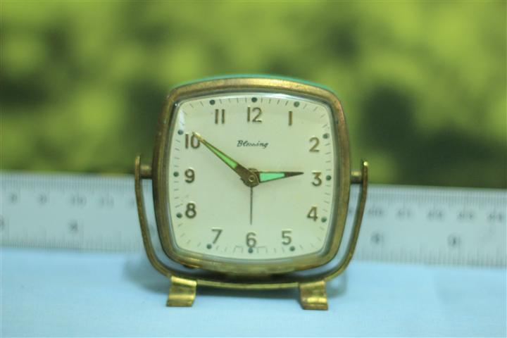 T0608 นาฬิกาปลุกเยอรมันโบราณ ส่ง Blessing ฟรี